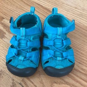 Keen toddler sandals size 6